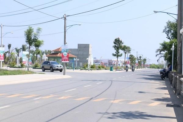 Bán gấp 2 lô đất mặt tiền đường ngay Trung tâm thị trấn Thủ Thừa